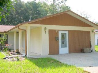 Private Entry, 1 Bedroom Apt, Fully furnished, Dunnellon