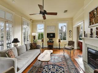 Beautiful uptown home with pool!, Nueva Orleans