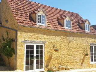 Beautiful character stone property close to Sarlat, Sarlat-la-Canéda
