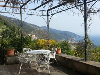Charming Romantic Historic Villa, Vernazza