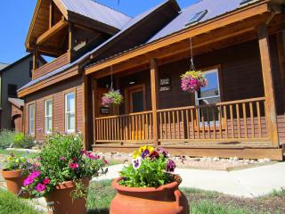 Hottub!Sauna!Firepl!Best Location In Town!BigViews, Crested Butte