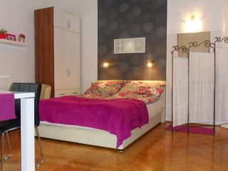 Room Reni