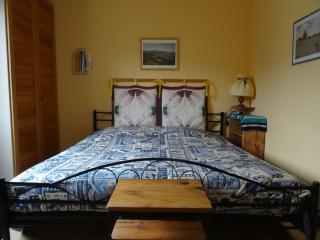bed and  breakfast dans belle villa au calme, Greoux les Bains