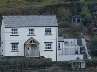Jasmine Cottage and garden