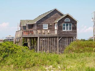OBX Oceanfront Getaway~LOW WINTER RATES - 4 Bd 2 bth - Islander