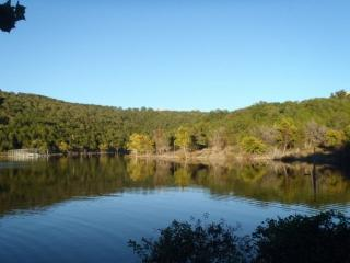 Table Rock Lake 2 Bedroom, Ground Floor Condo just south of Branson...PET FRIENDLY!!.., Hollister