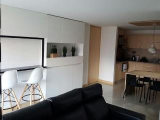 Iberica 2 BR Apt. Lovely View. Everything Near You, Envigado