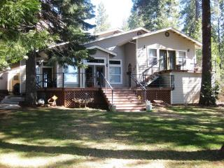 Big Springs Lake Front with Great Back Deck & Large Lawn, Lake Almanor Peninsula
