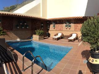 Apartamento alhambra (4 adults+1 niño) piscina, Granada