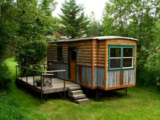 Garden Caravan: Tiny House on Wheels. Comfy & fun!, Sandpoint