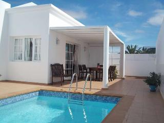 VILLA ARLONDY IN COSTA TEGUISE FOR 6P