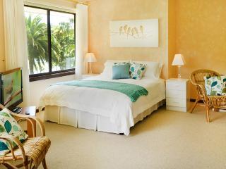 Sunny Hill Retreat Bonville Room 2