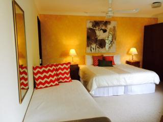 Sunny Hill Retreat Bonville Room 3
