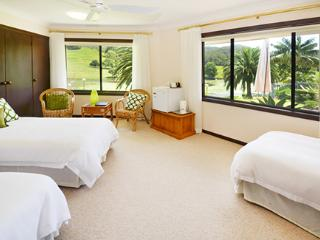 Sunny Hill Retreat Bonville Room 1
