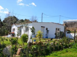 Nice indipendent house with garden, Tarifa