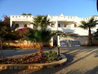 Villas Gaia .Appartements, pieds dans l'eau, Bejaia