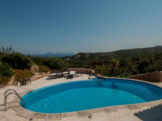 Villa Pevero Hills 1 with pool and sea view, Abbiadori