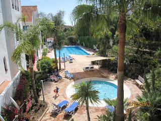 Apartment in Marbella with Free Wifi,Puerto Banus,, Puerto Banús