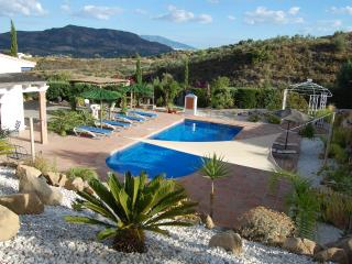 Fully air con, Viila with private pool and garden