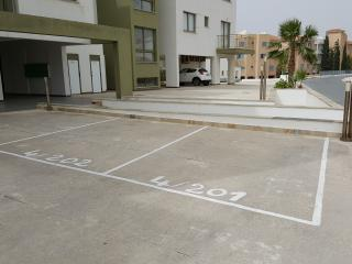 Bright 2 bdr apartment by the sea 4/201