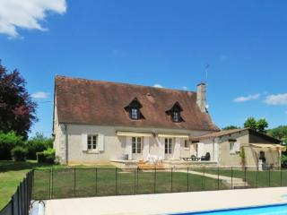Traditional house with swimming pool, Brouchaud