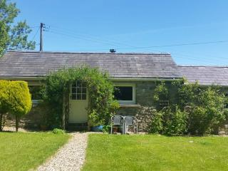 "Cosy Quiet Welsh Cottage-""Brynifor""- Pottery Hols, Llandysul"