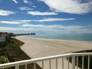 Newly renovated Beachfront Condo @ Tigertail Beach, Marco Island