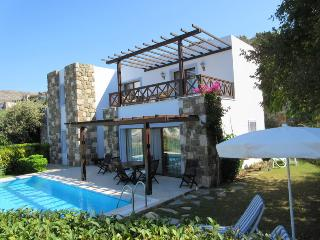 Luxury 3Bed / 2Bath Villa with own Pool & Garden, Gumusluk