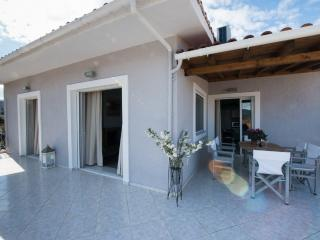 REGALO 3-BEDROOM FLAT IN KARIOTES/ FLAT 8