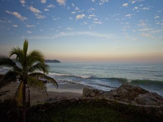 CASA KESTOS -  Beachfront Estate, pool, views