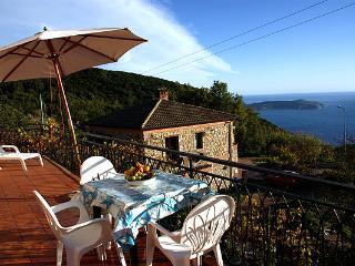 Villa indipendente , giardino vista mare Pisciotta