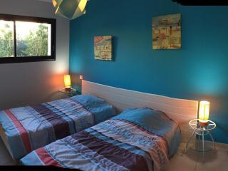 chambre , lits jumeaux literies 90x200