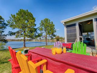 ❤️Tranquil Lakefront Home 5 Miles to Disney ● Lots of Upgrades ● 3 Kings/Queen