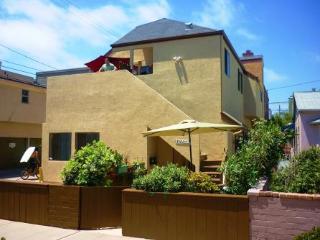 Caroline's Surfside Cottage, San Diego