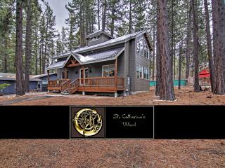 Villa w/ 2 Master Suites - 5 Mins to Lake Tahoe!