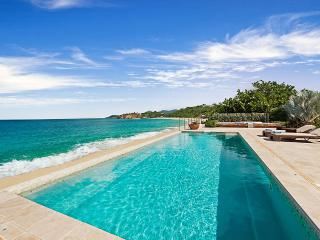 La Vie en Bleu at Baie Rouge Beach, Saint Maarten - Beachfront, Pool & Jacuzzi, Private, Terres Basses