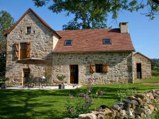 Le Hameau du Quercy gite charme piscine naturelle