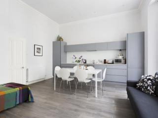 onefinestay - Kensington Gardens Square VI private home, Londres