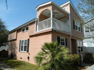 Beautiful Private Home w/ HotTub! Great Rates!!, North Myrtle Beach