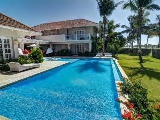 Elegant Villa Close to the beach – Tortuga D1, Punta Cana