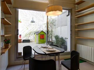 Nice flat with terrace in Gràcia, Barcelona
