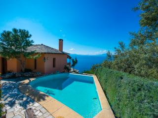 PELION HOMES | Villa Two Cypresses paradise villa with pool!, Kato Gatzea