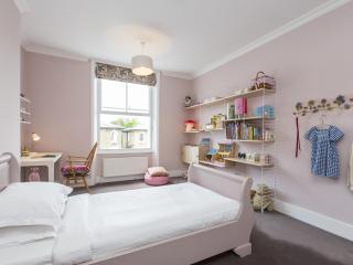 onefinestay - Leamington Road Villas II private home