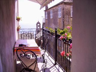 Belle maison de village avec terrasse vue mer, Bastia