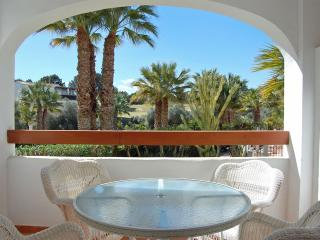 2 Bed 2 Bath Apt in Villamartin, Pool Views, Golf
