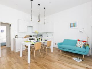 onefinestay - Marylands Road apartment, London