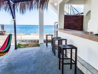 Beautiful Room in Beach Villa With Rooftop Bar, Negril