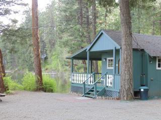Cabins on the Lake, Spirit Lake