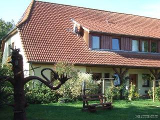 Vacation Apartment in Hohenkirchen - 377 sqft, comfortably furnished, beautifully renovated farmhouse…, Wismar