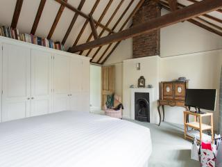 onefinestay - Oldfield Road apartment, London